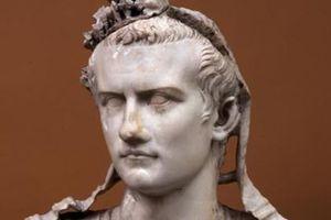 Chuyện điên rồ về bạo chúa La Mã tự nhận... Chúa sống