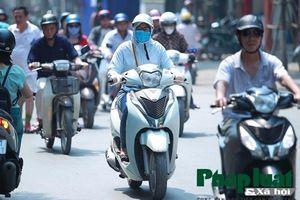 Hà Nội: Mệt mỏi với đợt nắng nóng đầu tiên