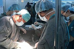Bé gái mới 14 tuổi bị ung thư cổ tử cung giai đoạn cuối