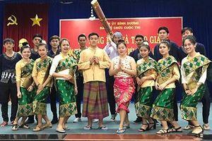 Sinh viên Lào, Campuchia đón Tết ấm áp trên quê hương thứ hai
