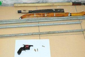 Nhóm côn đồ mang súng, mã tấu để 'thanh toán' nhau trên quốc lộ 1