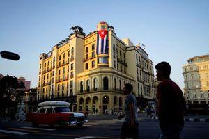 Quan hệ Mỹ - Cuba giãn thêm khoảng cách