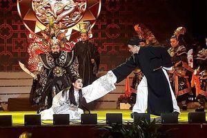 Vở Tiên Nga của Thành Lộc gây xúc động mạnh