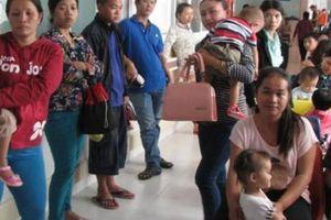 Nắng nóng gay gắt, BV Nhi đồng Cần Thơ tiếp nhận 1.300 trẻ mỗi ngày