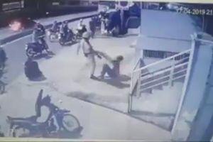 Thông tin bất ngờ vụ clip CSGT chĩa súng, đánh 2 người sau va chạm giao thông