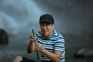 Trường Giang 'lăn vào bếp' giữa đại ngàn cùng đạo diễn Võ Thanh Hòa