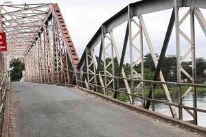 Cầu sắt lịch sử 106 năm chính thức ngưng hoạt động