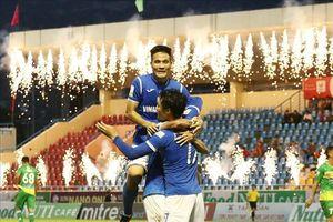 Thanh Hóa bị cưa điểm phút cuối, Than Quảng Ninh thắng to