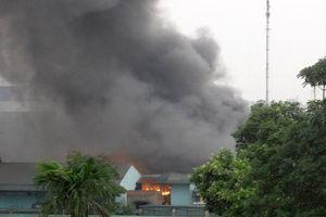 Cháy lớn tại Công ty Cổ phần Armephaco Hà Nội