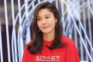Seohyun (SNSD) lộ khuyết điểm, đụng hàng với Kim Ha Neul và Hyun Ah tại sự kiện