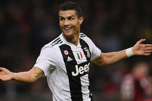 Ronaldo giúp Juventus lập thành tích chưa từng có