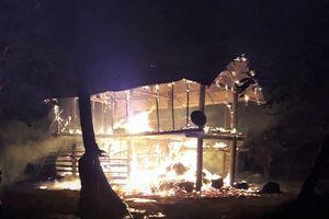 Gia Lai: 3 bà cháu vùng chạy khỏi căn nhà đang cháy, 1 bé bị chết cháy