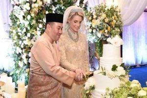 Nối gót Quốc vương, Thái tử Malaysia kết hôn với người đẹp Thụy Điển