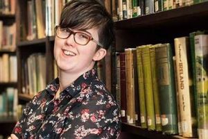 Nữ nhà báo Bắc Ireland bị bắn chết khi đang đưa tin, 2 nghi phạm bị bắt