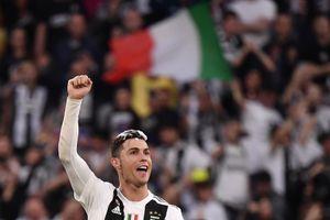 Cristiano Ronaldo cam kết '1.000%' ở lại Juventus mùa tới