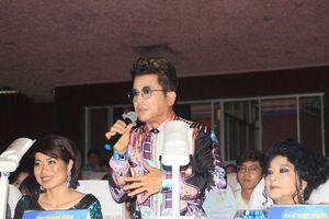 MC Thanh Bạch khuấy động sân khấu với bài vè vui nhộn