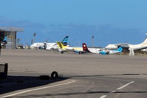 Sân bay duy nhất của Libya lại phải đóng cửa giữa 'cơn mưa' không kích ở Tripoli