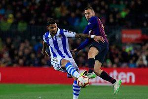 Messi và Suarez 'im tiếng', Barcelona vẫn đánh bại Sociedad