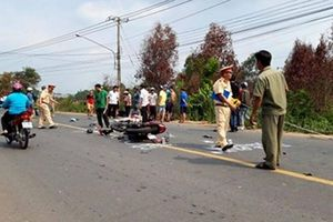 2 người tử vong, 1 người nguy kịch sau cú 'đấu đầu' xe máy