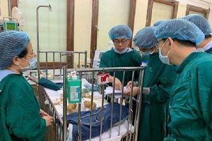 Kỷ lục: Lần đầu tiên ở Việt Nam ghép gan cho cháu bé mới chỉ 1 tuổi