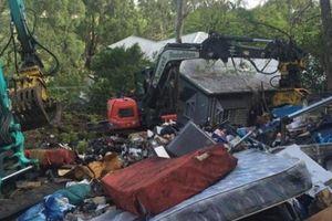 Chi 17 tỷ mua nhà ngập rác mặc kệ can ngăn và cái kết gây choáng