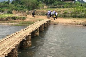 Công ty Ong Tam Đảo phát động xây dựng cầu treo cho dân nghèo Điện Biên