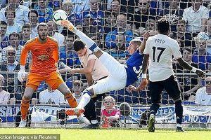 Thảm bại trước Everton, M.U rời xa Top 4