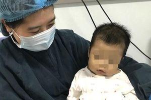Em bé nhỏ tuổi, nhẹ cân nhất Việt Nam được ghép gan thành công