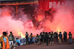 Vòng 6 V-League: CĐV Hải Phòng làm loạn, HAGL lại thua