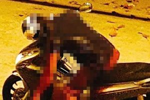 Mâu thuẫn trên đường, người đàn ông bị đâm tử vong trên xe máy