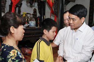 Chủ tịch UBND thành phố Hà Nội đến động viên gia đình nữ công nhân tử vong sau vụ 'xe điên' trên đường Láng