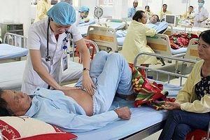 Tranh cãi về việc thu phí chăm nuôi bệnh nhân