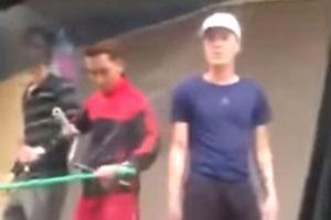 Thanh Hóa: Côn đồ vác dao kiếm, đập kính ô tô, đuổi người 'như phim hành động'