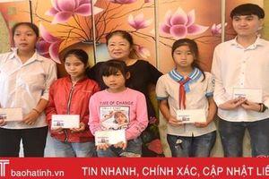 5 học sinh Hà Tĩnh được doanh nhân Việt Nam ở CHLB Đức nhận đỡ đầu học tập