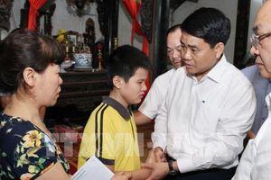 Vụ tai nạn liên hoàn trên đường Láng: Chủ tịch UBND Tp Hà Nội thăm hỏi gia đình nạn nhân