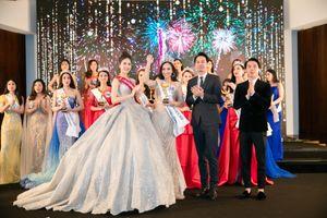 Siêu mẫu Vàng Quỳnh Hoa lộng lẫy như công chúa, trao vương miện cho tân hoa hậu