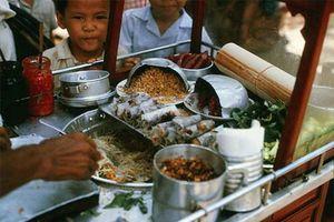 Điểm mặt 5 thứ quà vặt vỉa hè Sài Gòn xưa, có những món đến nay vẫn còn rất 'hot'