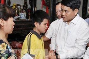 Chủ tịch UBND TP Hà Nội đến thăm gia đình nữ công nhân tử nạn trong vụ 'xe điên' đâm liên hoàn