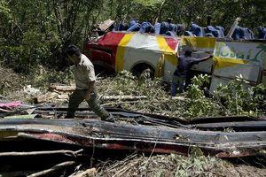 Tai nạn xe buýt tại Bolivia làm ít nhất 25 người chết