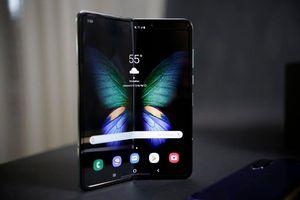 Samsung hoãn ra mắt điện thoại màn hình gập Galaxy Fold