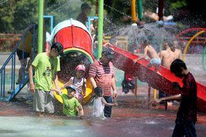 Nắng nóng kéo dài, nhiều người đổ bệnh do giải nhiệt không đúng cách