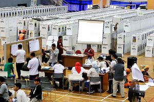 'Thảm kịch bầu cử' ở Indonesia, hơn 100 nhân viên kiểm phiếu tử vong vì kiệt sức