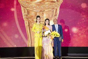 Ca sĩ Đinh Hiền Anh được vinh danh 'Bông hồng quyền lực' của năm