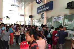 Nắng nóng kéo dài, trẻ em nhập viện tăng cao