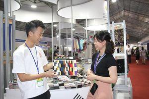 Ngành dệt may hai nước Việt Nam – Trung Quốc tìm kiếm cơ hội hợp tác