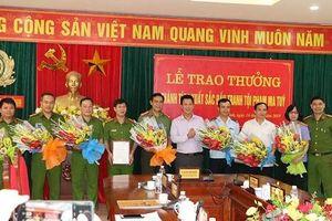Hà Tĩnh: Thưởng 'nóng' 200 triệu đồng cho các lực lượng đấu tranh tội phạm ma túy xuyên quốc gia