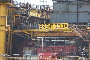 Giá dầu Brent vượt ngưỡng 75 USD/thùng lần đầu tiên trong năm do Nga giảm xuất khẩu