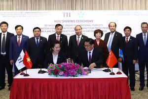 Thủ tướng chứng kiến ký kết hợp tác tiêu thụ nông sản Việt Nam tại Trung Quốc