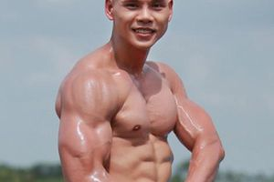 Các 'người hùng The Rock Việt': Phan Đinh Tùng, Văn Sơn... cơ bắp như tượng