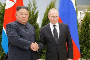 Tổng thống Putin chào đón Chủ tịch Kim trong chuyến thăm lịch sử đến Nga